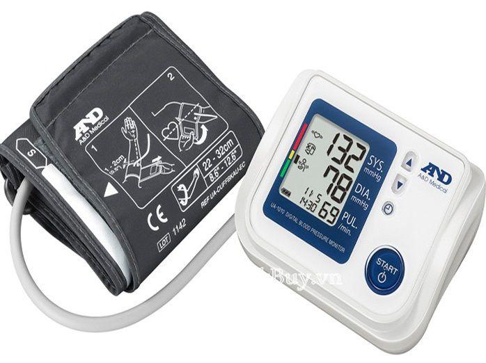 Sử dụng máy đo đường huyết ngay tại nhà